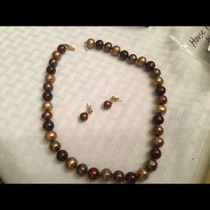 Jewelry - 14k gold freshwater pearl necklace /earrings
